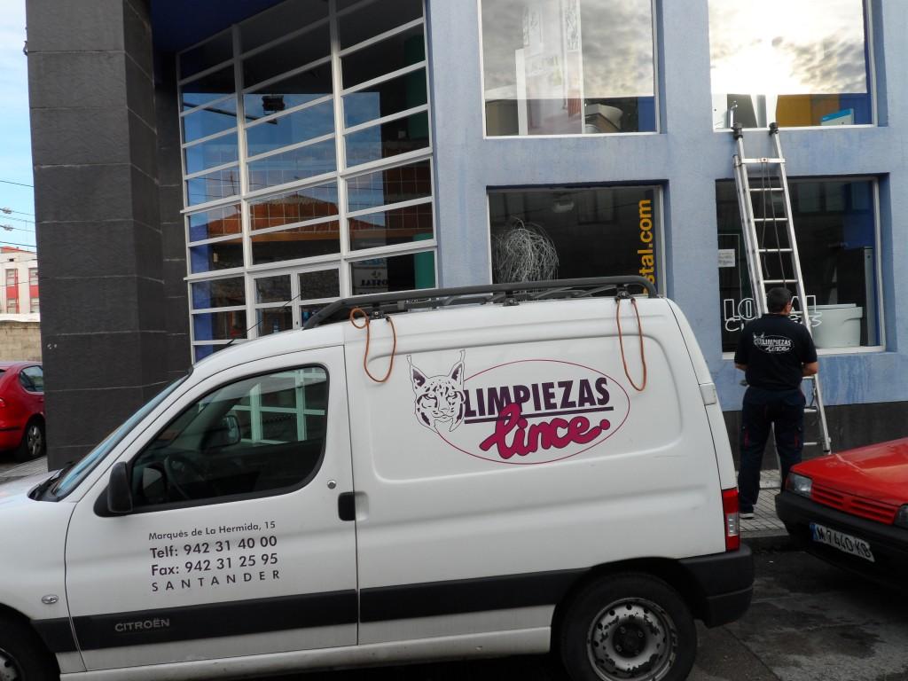 Empresas limpiezas profesionales de cristales Torrelavega Limpiezas Lince